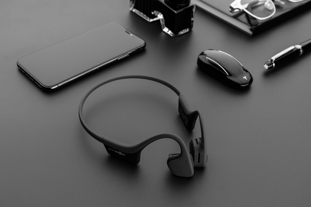 bezpieczne słuchawki na rower